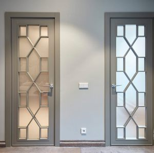 Двери с филенкой Черногорск
