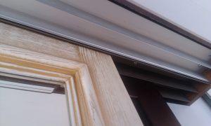 Двери из массива с раскладкой по периметру Черногорск